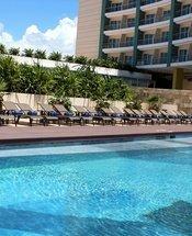 Piscina Hotel Krystal Urban Cancún Cancún