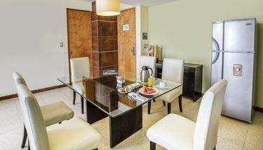 Sala de jantar quarto Hotel Krystal Urban Cancún Cancún
